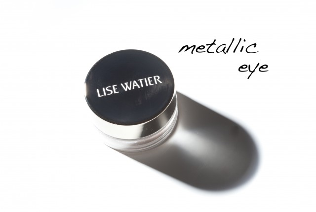 LiseWatiermetallic eye shadow
