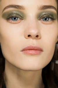 Dior Fall 2014  runway beauty Vogue.fr