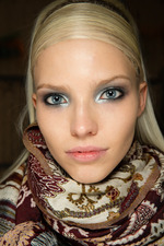 Donna Karan Fall 2014 Runway beauty